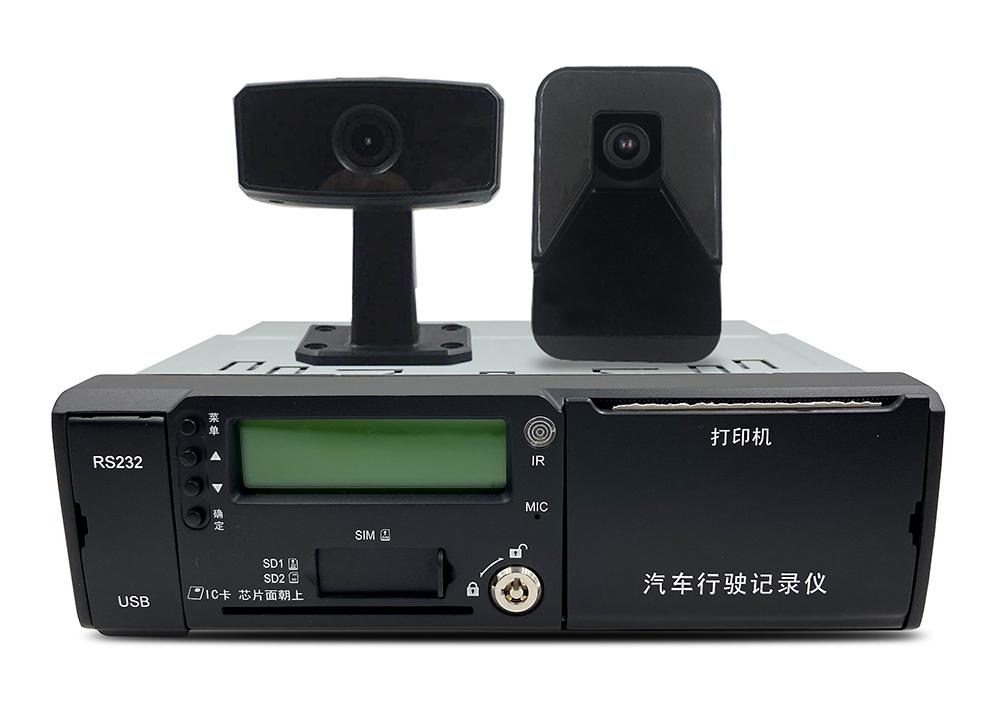 8路高清车载SD录像机 车载主动安全智能防控终端  第1张